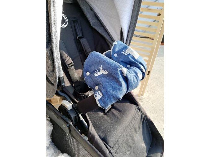 Baby rukávník - softshell džinovina jednorožci/světle modré minky  na madlo kočárku