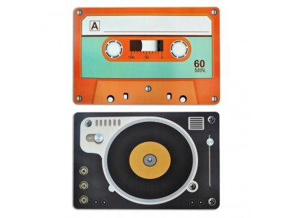 prostirani retro kazeta gramofon