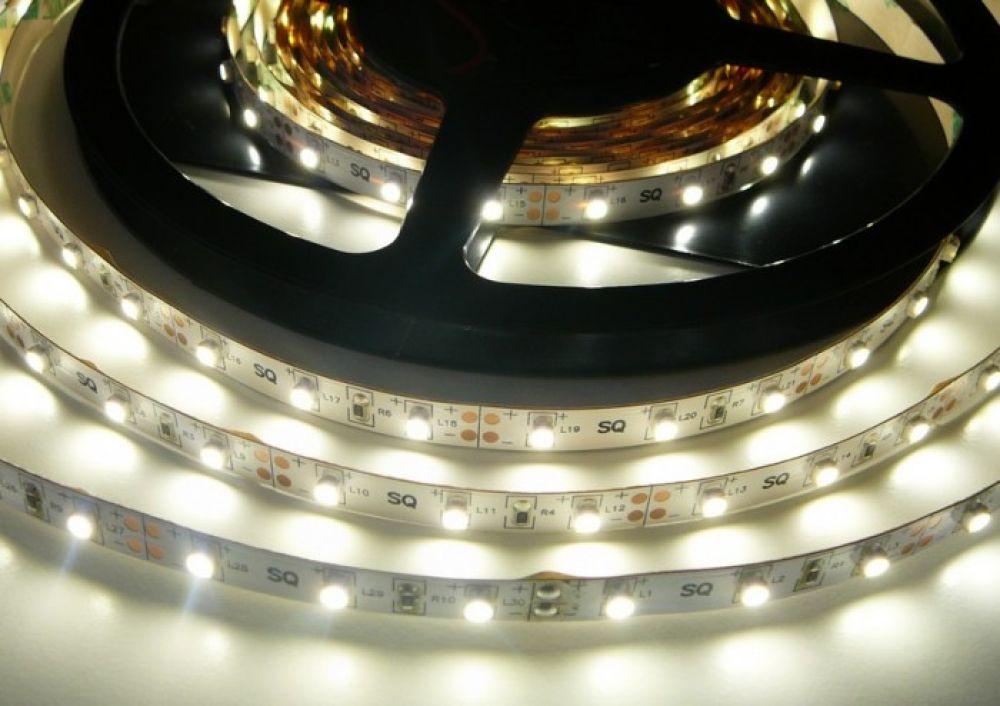 LED pásek ST 4,8W zalitý IP50 | MaxLumen.cz Barva světla: denní bílá