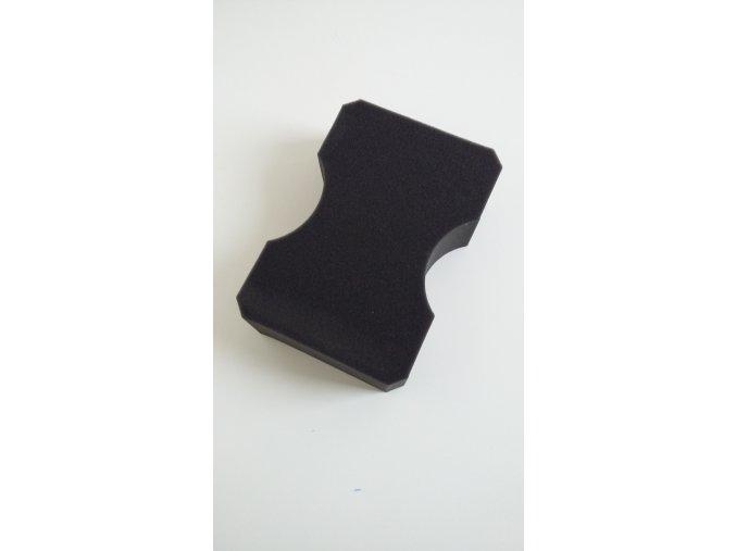 MZ059 Hubka na nanášanie vosku čierna