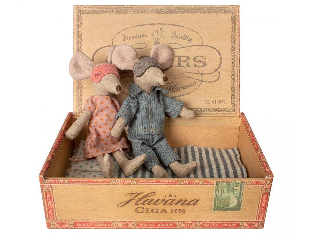Maileg Myšky v krabičce od doutníků - máma a táta