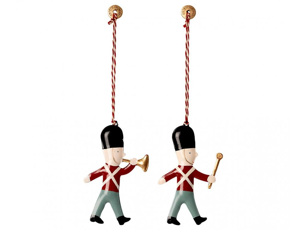 metal ornaments in box 2 guards