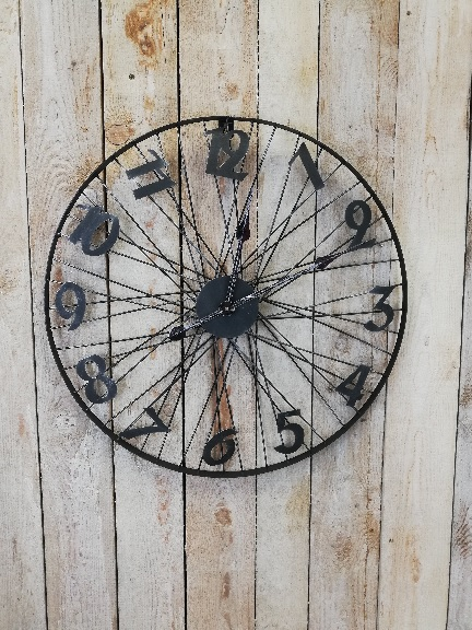 hodiny kolo