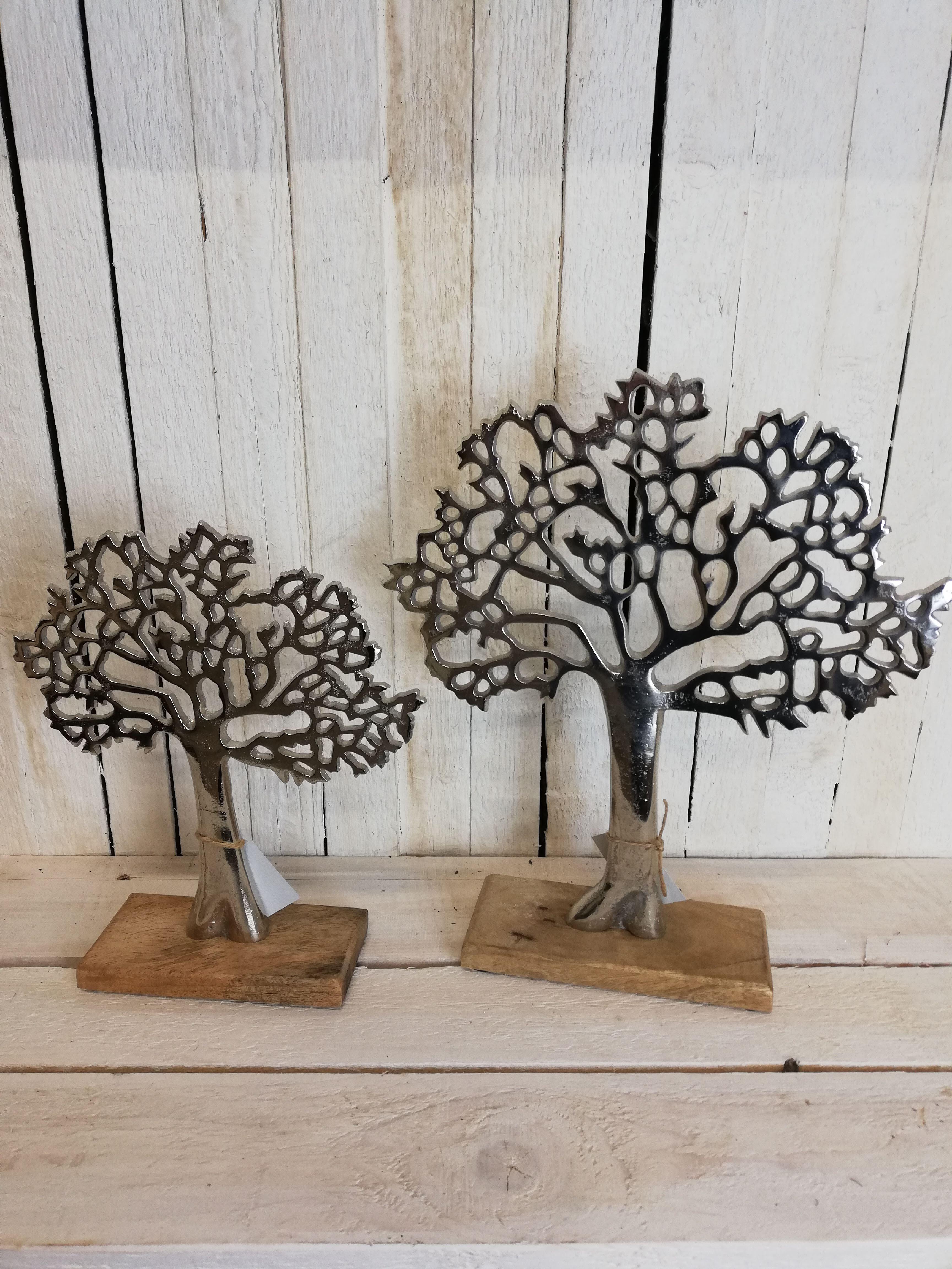 Kovový strom