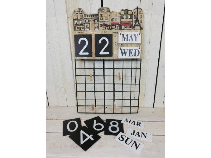 Nástěnný kalendář na poznámky