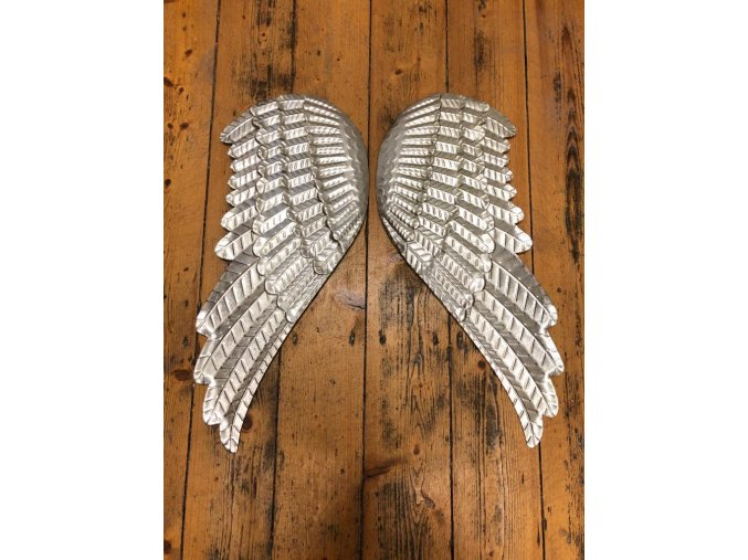Andělská plechová křídla se srdcem
