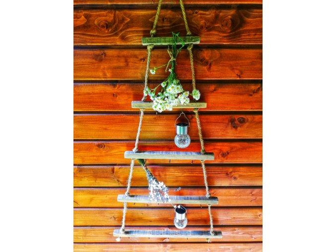 Dřevěný žebřík s háčky