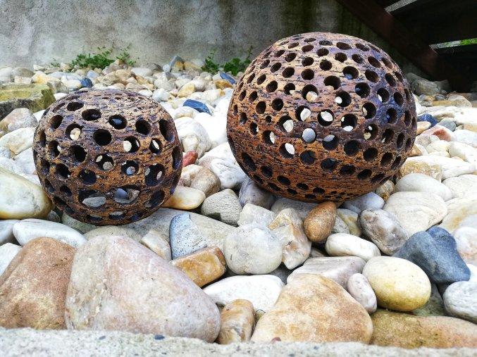 Dekorační vypalované koule
