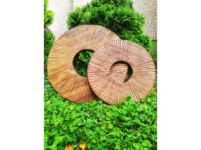 Dřevěné kolo s paprsky