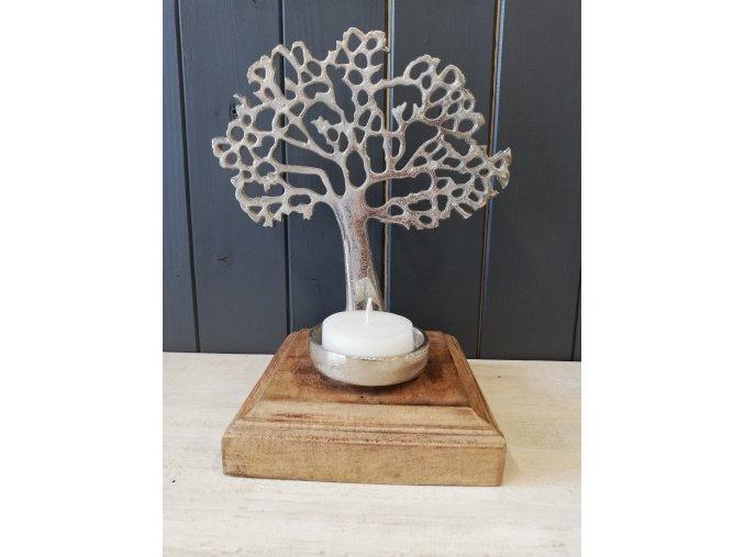 Strom života na podstavci se stojanem na svíčku