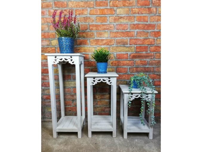 Květinový stolek provence