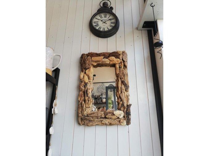 Hranaté zrcadlo z naplaveného dřeva