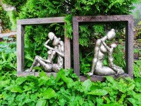 Dvojice na mangovém dřevě