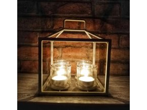 Kovový svícen domečku