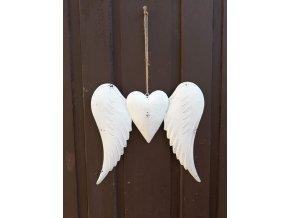 Andělská křídla se srdcem na pravém místě