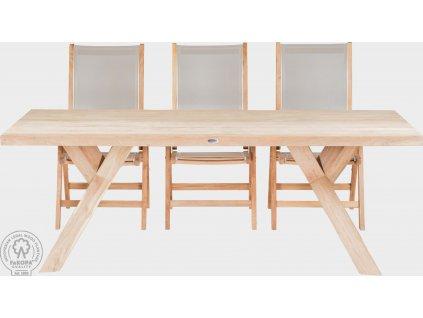 Stůl ze starého dřeva
