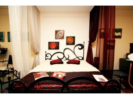 Kovová postel CARTAGENA