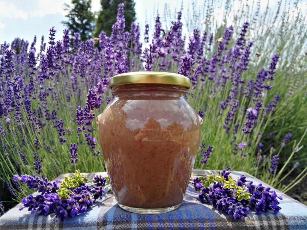 Skořice v pastovaném medu  Skořice v pastovaném medu