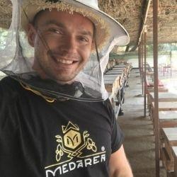 Dobrodružná výprava za datľovým medom z KATARU