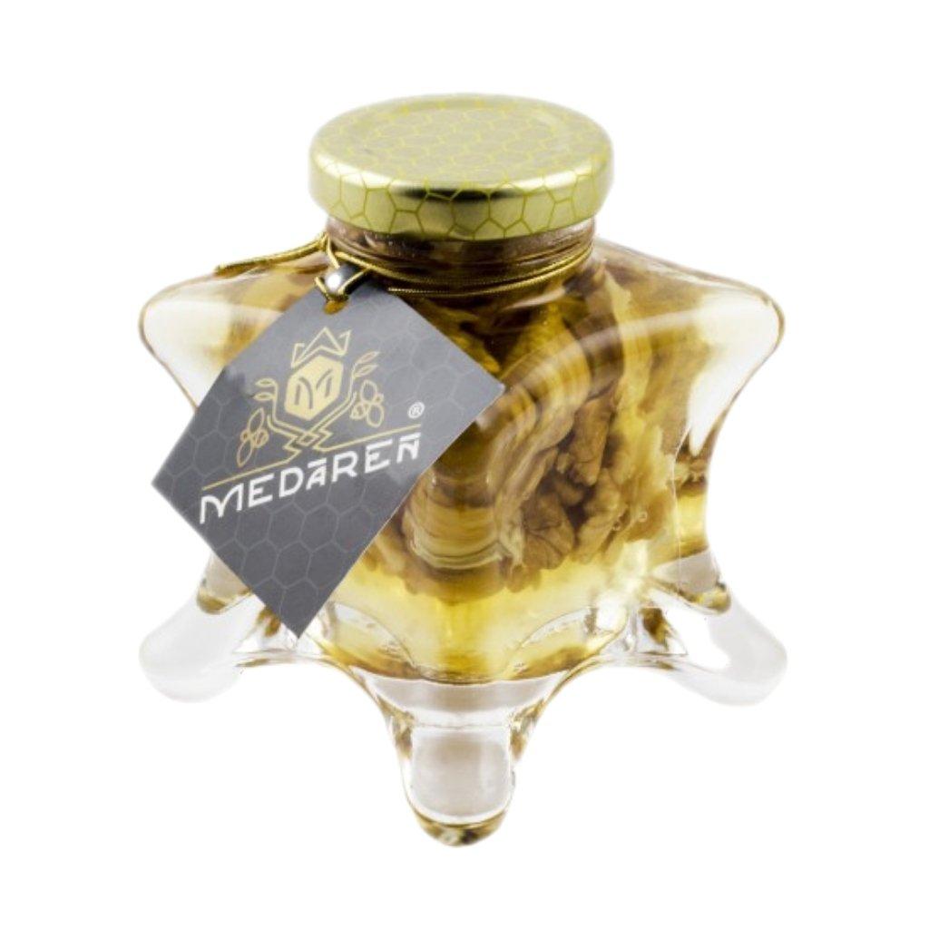 Med s vlašskými orechmi - Medáreň