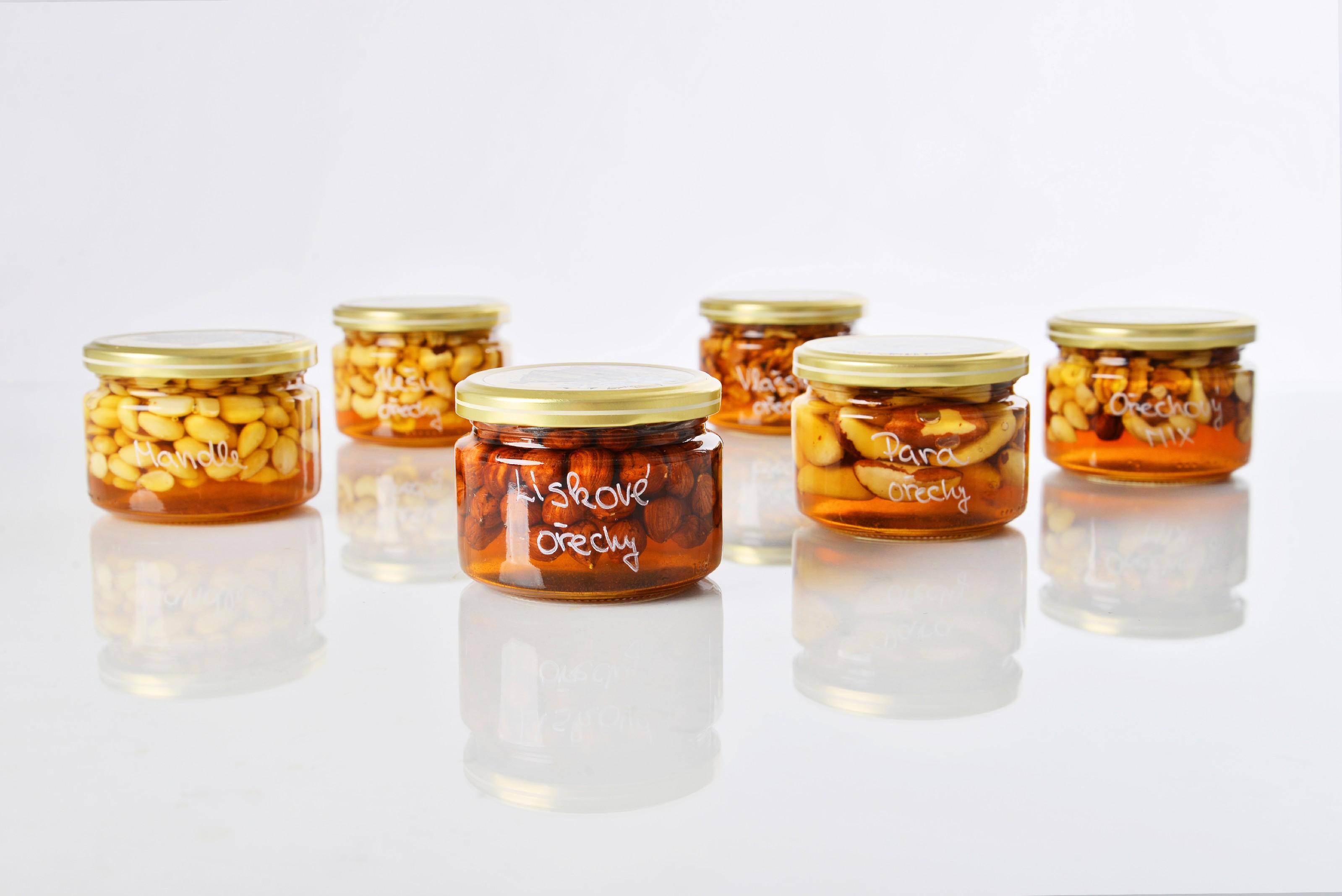 Oříšky v medu