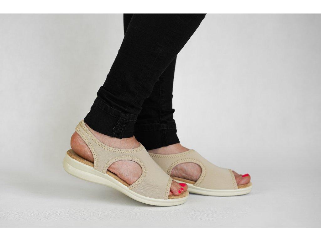 strečový sandál béž2