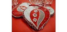 Perníkové srdce - variace na červenou ...  Medový perník. Ruční práce. Handicraft.