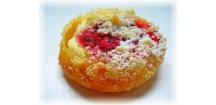 Malinový koláč moravský, 2 x plněný 100 g - 60 ks  Jemné pečivo z kynutého těsta s tvarohovou a ovocnou náplní