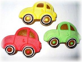 Perníková autíčka vyrábíme v různých barvách!