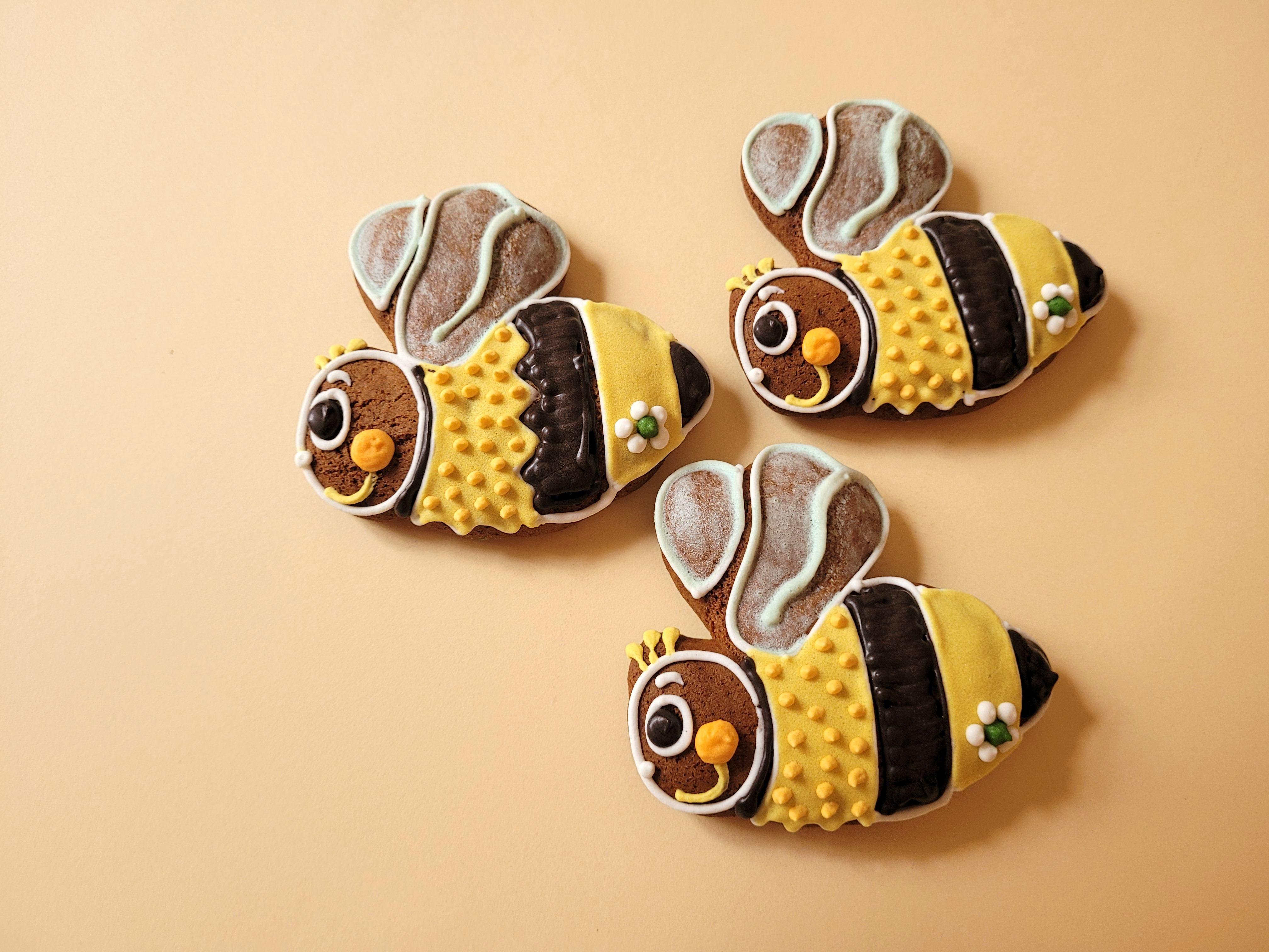 Srdíčko s monogramem 5 cm, 5 g  Medový perník. Ruční práce. Handicraft.