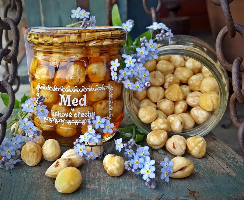 med a lískové ořechy