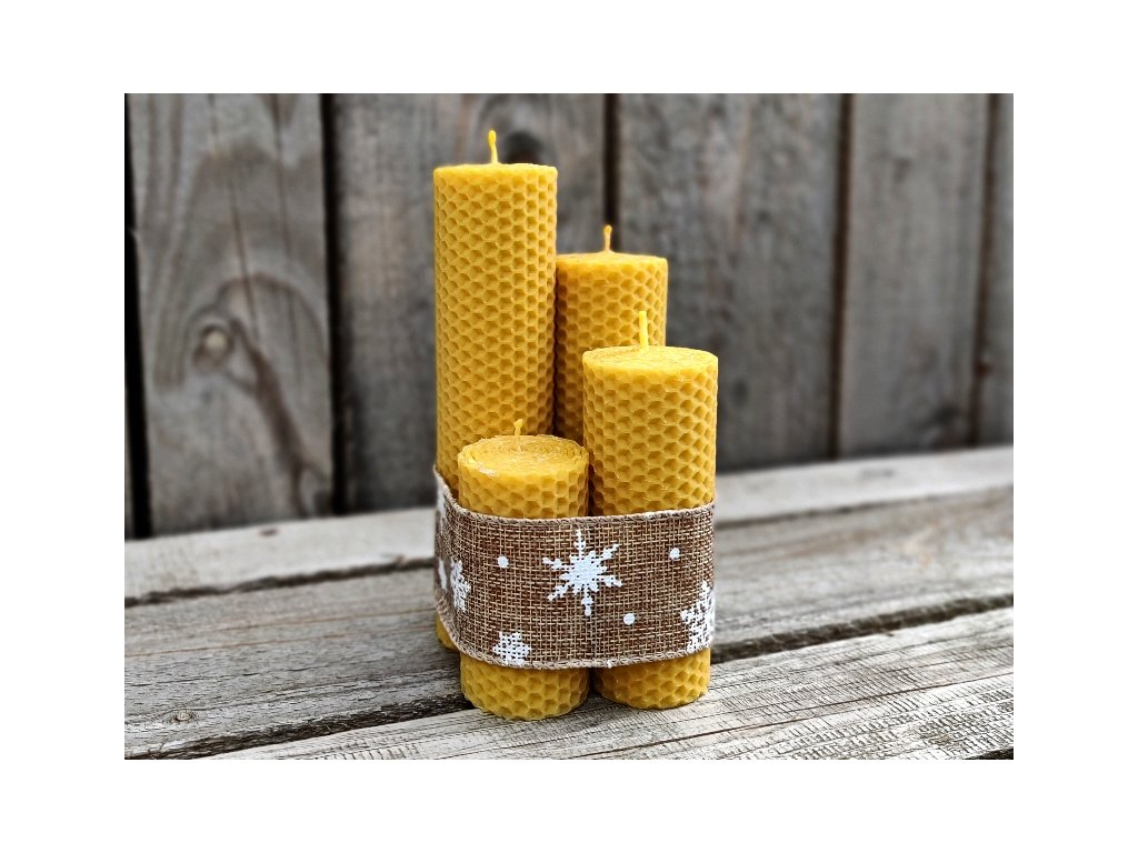 adventní svíčky z včelího vosku