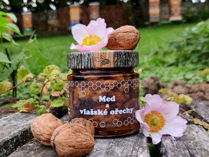 med a vlašské ořechy1