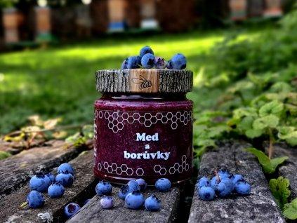 Med a borůvky
