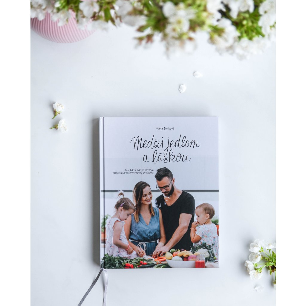 Kuchárska kniha Medzi jedlom a láskou