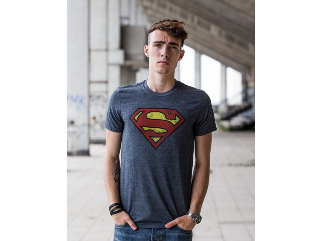 tricko superman distressed washed panske