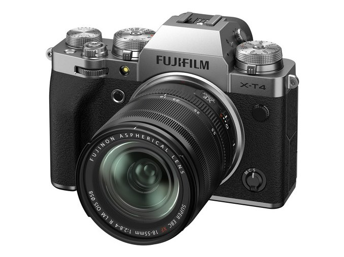 Fujifilm X T4 + XF 18 55 mm f2,8 4 OIS strieborný