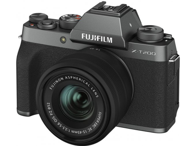 Fujifilm X T200 + Fujinon XC 15 45mm f3,5 5,6 tmavo strieborný