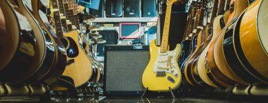 Fender Deluxe Roadhouse Strat VWT skladom