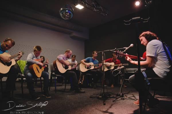 4. 10. 2016 - Gitarový Fingerstyle Workshop