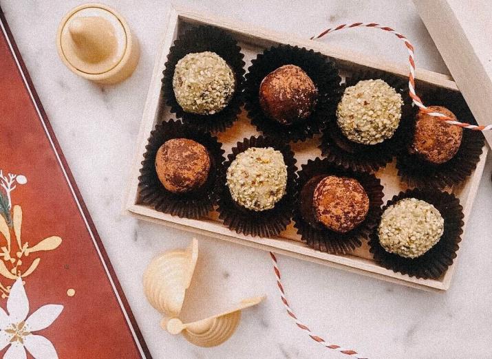 3 luxusní recepty na nepečené cukroví