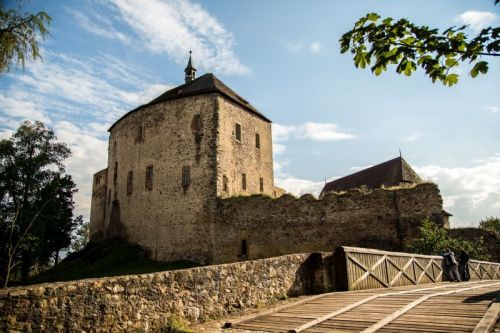 hrad-toc-ni-k-c-eske-hrady-1576927166