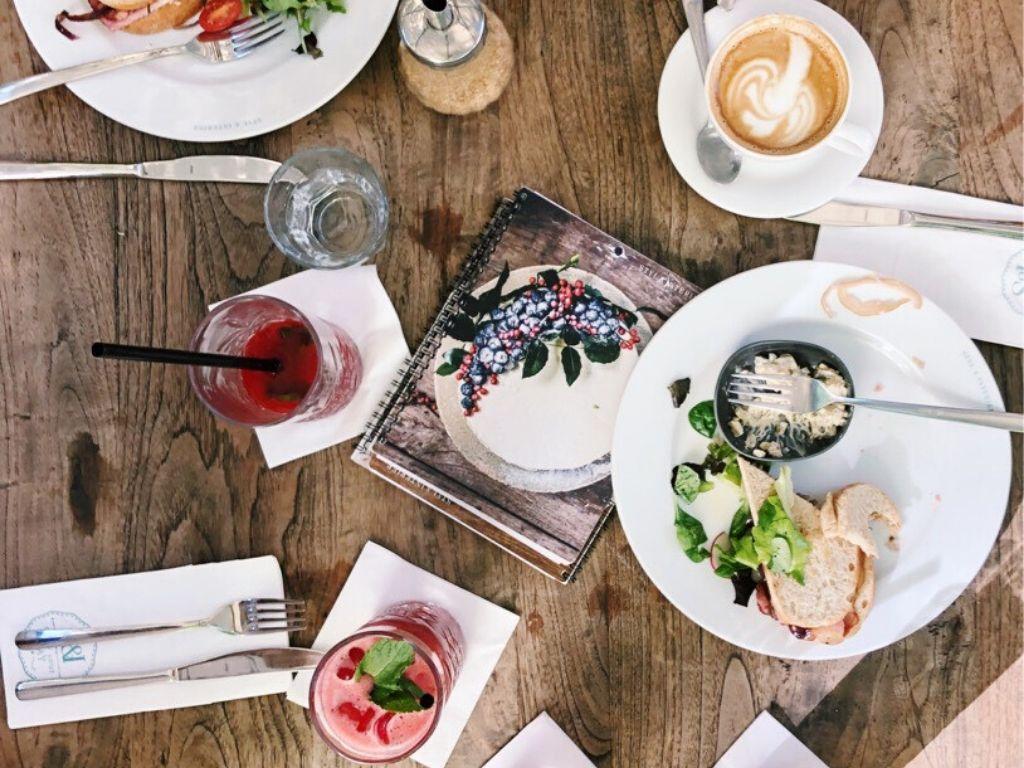 v-restauraci-1593711520