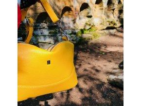 Žlutá crossbody dámská kabelka se třemi oddíly