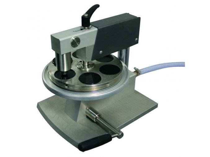 Nivelační zařízení pro upínání vzorků do držáku