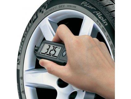 Tlakoměr a hloubkoměr vzorku v pneumatikách 0,35 až 6,8 bar