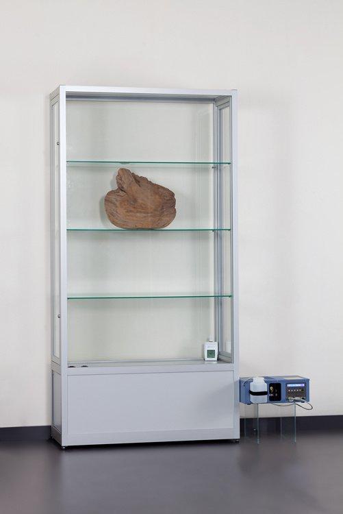 Klimatizované skleněné vitríny s kontrolou vlhkosti