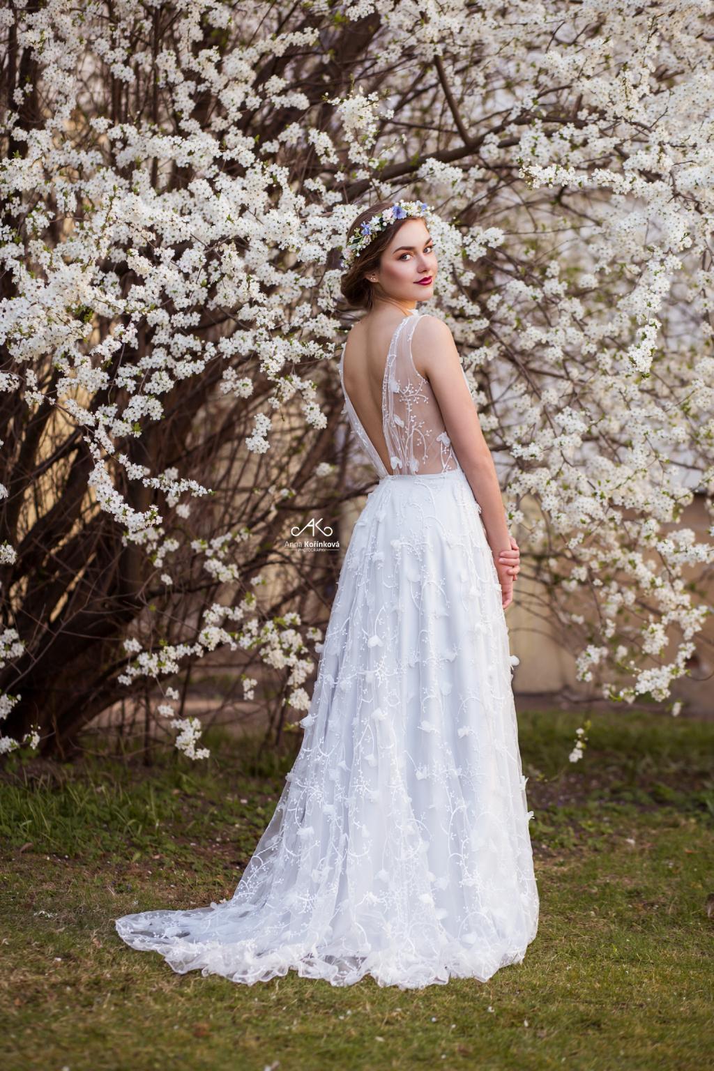4bbb3f25c0 Šedo-modré svatební šaty ISABELLA - MiaBella