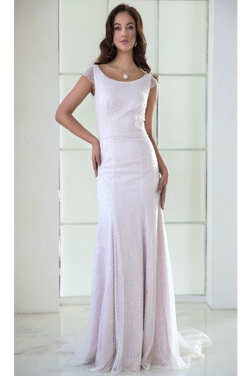 7f3967b201 Svatební šaty AMELIE z třpytivé krajky s perličkami - MiaBella