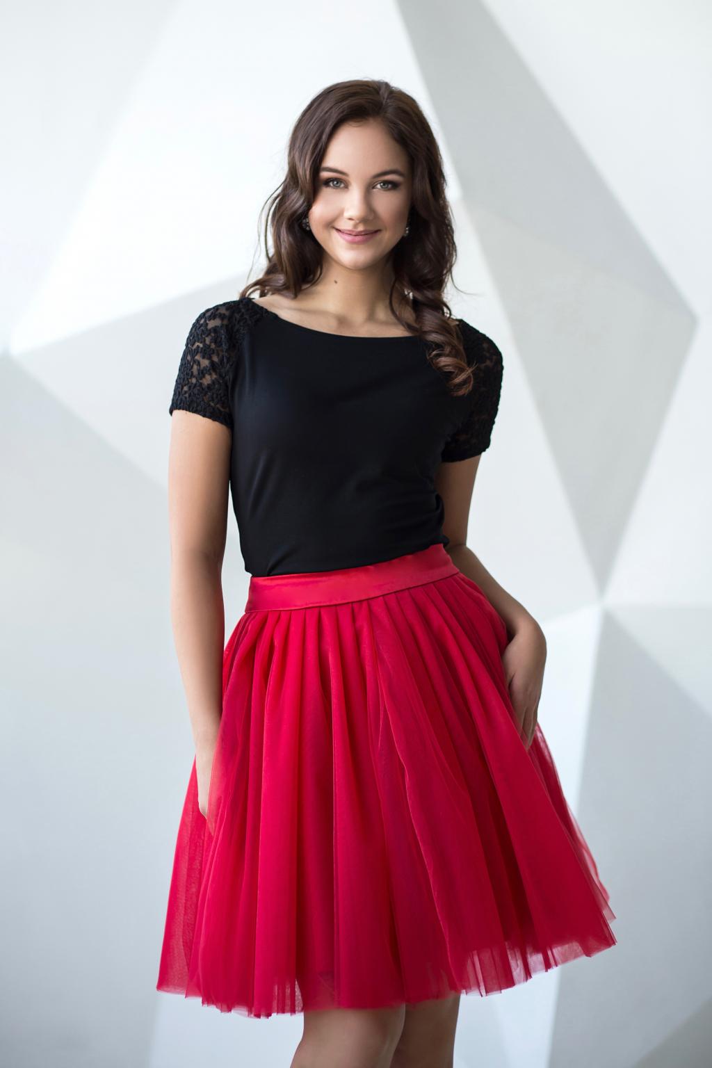 cervena tutu sukne